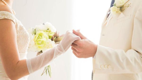 【絶望】日本人の未婚率、とんでもないことになるwwwwwwwwwwwwwwwwwwwのサムネイル画像
