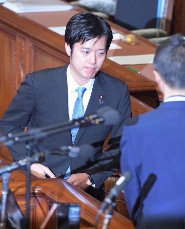 【騒然】丸山穂高議員、国会に姿を現す!!!!!!!のサムネイル画像
