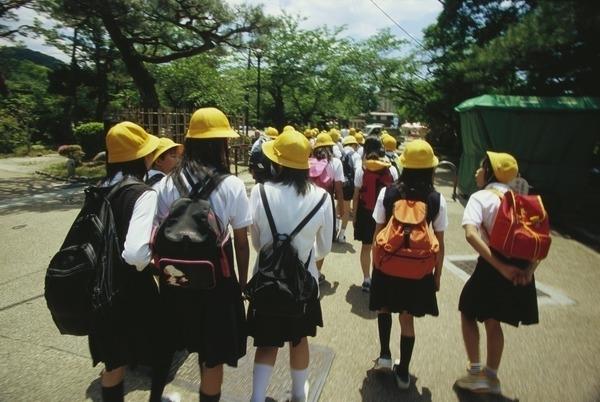 【愕然】小学校、熱中症を無視した過酷な「夏ルール」がこちら・・・・・のサムネイル画像