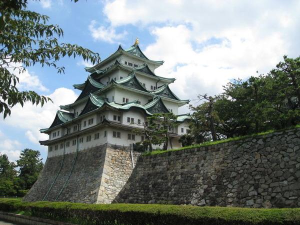 【衝撃】河村市長「名古屋城、木造化したいけどエレベーターはつけない!無理なら辞職する!」のサムネイル画像