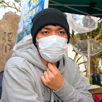 【驚愕】「街宣車」が元SEALDsのハンスト現場に向かった結果wwwwwwwwwwwwwwwwwwwwwwwのサムネイル画像