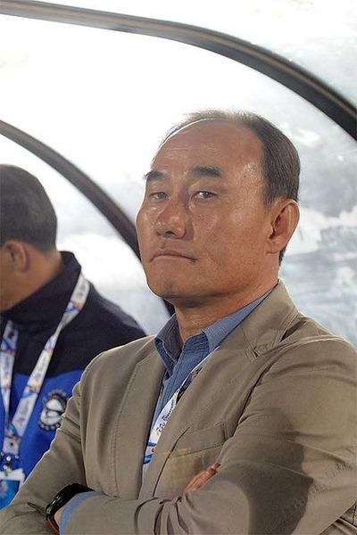 【サッカー】韓国代表監督、敗北を喫した相手国に無礼な発言をしてしまうwwwwwwwwwwwwwwのサムネイル画像