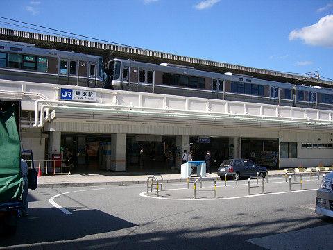 【速報】「在特会」メンバーと韓国人が駅で「果たし合い」をした結果wwwwwwwwwwwwwwwwwwwwwwwwのサムネイル画像