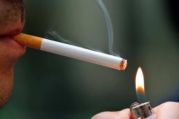 【増税】値上げを機に「タバコ」をやめるやつwwwwwwwwwwwwwwwwwwwwwのサムネイル画像