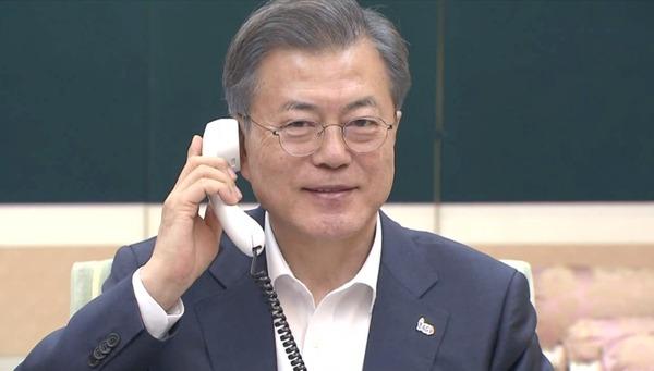 【悲報】ムン大統領、米朝首脳会談に行くつもりだったwwwwwwwwwwwwwwwのサムネイル画像