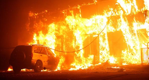 【動画】カリフォルニアの女性、車で山火事のど真ん中に突入してしまうwwwwwwwwwwwwwwwwwwwwwのサムネイル画像
