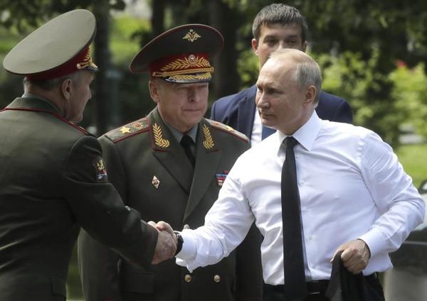 【速報】プーチン大統領、国営テレビで「北方領土」について表明!!!!!!!のサムネイル画像
