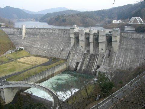 【緊急警報】 京都・日吉ダムの水位がとんでもないことに・・・!!!のサムネイル画像