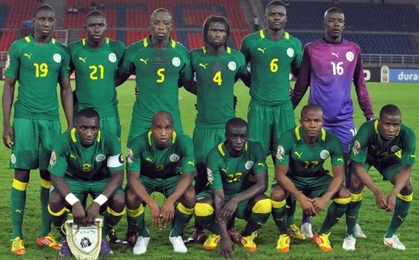 Senegal-12-PUMA-away-kit-green-green-green-line-up
