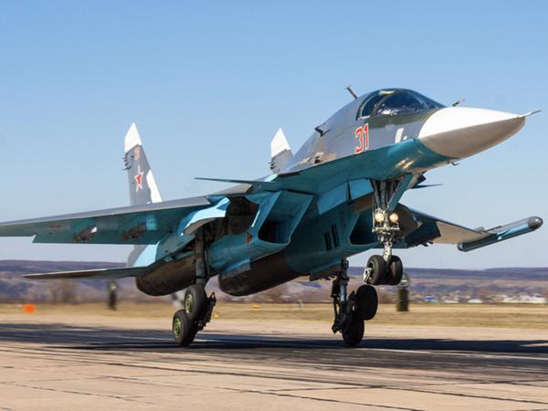【速報】ロシア軍の戦闘爆撃機、日本海上空で衝突!!!!!!のサムネイル画像