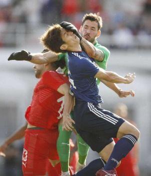 【悲報】日本代表、チームの和が乱れる・・・ → 選手からも戦術批判キタ━━━━(゚∀゚)━━━━!!のサムネイル画像