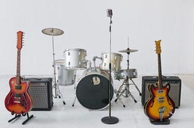 【音楽】90年代に活躍した「かっこいい」バンドランキングwwwwwwwwwwwwwwのサムネイル画像