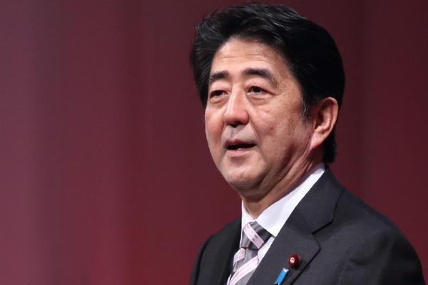 【速報】安倍首相、慶応大病院を受診!!!!!!!!!!!のサムネイル画像