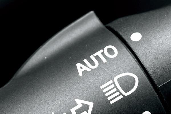 """【衝撃】「2020年より、自動車に """"オートライト"""" 機能の実装が義務化されます」→ その結果wwwwwwwwwwwwwwwwwwwwのサムネイル画像"""