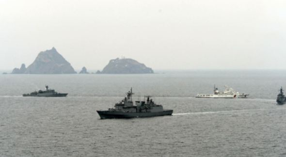 【速報】日本政府、韓国海軍に強く抗議へ!!!→ その内容が・・・・・のサムネイル画像