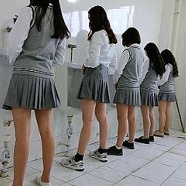 【驚愕】中学校「制服でもLGBTの多様性に対応する!」→ その結果wwwwwwwwwwwwwwwwのサムネイル画像