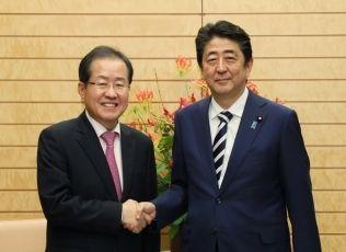 【速報】韓国野党が安倍首相に謝罪を要求!!!→ その理由がwwwwwwwwwwwwwwwwwwwのサムネイル画像