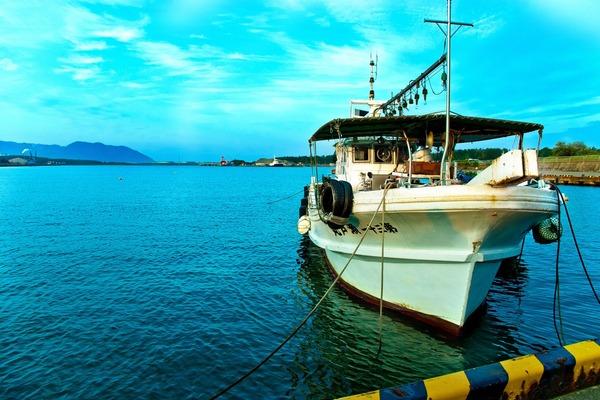 【速報】日本のEEZにて、韓国警備艦「日本の漁船よ、操業をやめて移動しろ!!!」