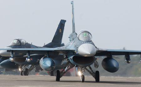 【航空祭】戦闘機「見敵必殺」(※画像)→ 基地住民の反応が・・・・・のサムネイル画像