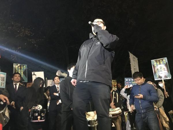 新SEALDs「僕は安倍よりも人生経験が少ないが、安倍より賢いし正しい!これだけは確実に言えます!!」 のサムネイル画像