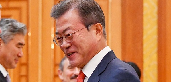 【悲報】ムン大統領が東南アジアで「ミス」を連発した結果wwwwwwwwwwwwwwwwwwwwwのサムネイル画像