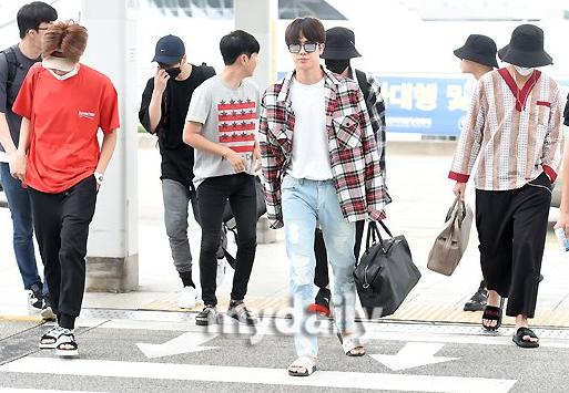 【速報】防弾少年団(BTS)が来日、羽田空港に到着へ!!!!!!!!!のサムネイル画像
