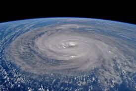 【画像】台風により「とんでもないもの」が倒れる!!!→ 「手抜き」でなはいかと話題に・・・・・のサムネイル画像