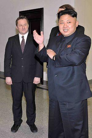 【速報】中国、2人目のカナダ人を拘束!!!!!のサムネイル画像
