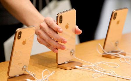 【愕然】アップルCEO「iPhone低迷の原因はコレだ!!!」wwwwwwwwwwwwwwwwwwwのサムネイル画像