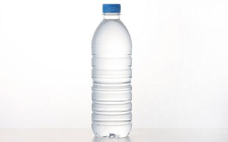 【悲報】ペットボトル口つけて飲む → 雑菌繁殖 → ボトル膨張 → 破裂 → 骨折のサムネイル画像