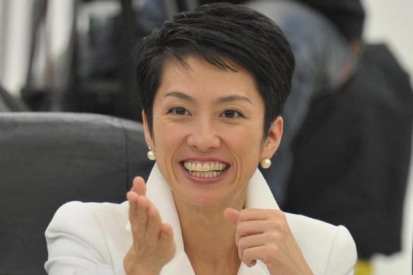 """【悲報】蓮舫「防衛予算の """"爆買い"""" には金があるのに!!!」→ その内容がwwwwwwwwwwwwwwのサムネイル画像"""