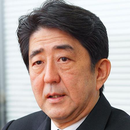 【日本】安倍首相「年末年始はこの本を読みまーす!!!」→ その内容がwwwwwwwwwwwwwwwwwwのサムネイル画像