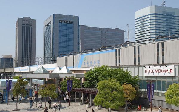【画像】千葉の80歳が運転するプリウスタクシー、歩道に突入!!!→結果・・・・・のサムネイル画像