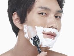 【ひげ剃り】「ジレット」vs.「シック」お前らはどっち派だよwwwwwwwwwwwwwwwwのサムネイル画像