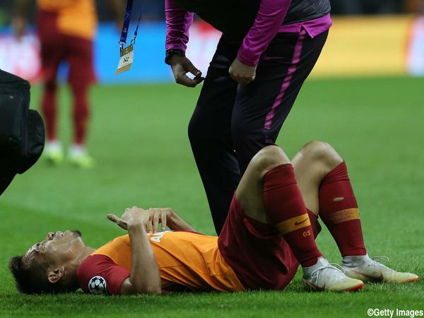 【サッカー】長友佑都が試合中「呼吸困難」に!!!→ その結果が・・・・・のサムネイル画像