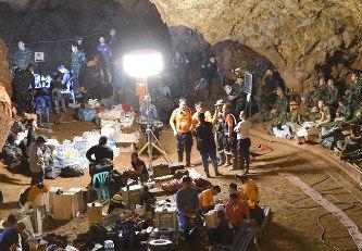 【タイ洞窟】 知事「食料4か月分運び入れたい」のサムネイル画像