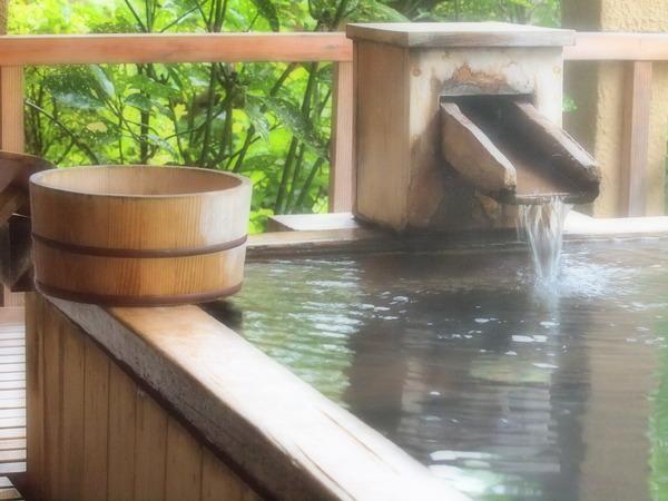 """【エッッ】男子13人が合宿で""""女子風呂""""を覗いた結果wwwwwwwwwwwwwwwwwwwwwのサムネイル画像"""