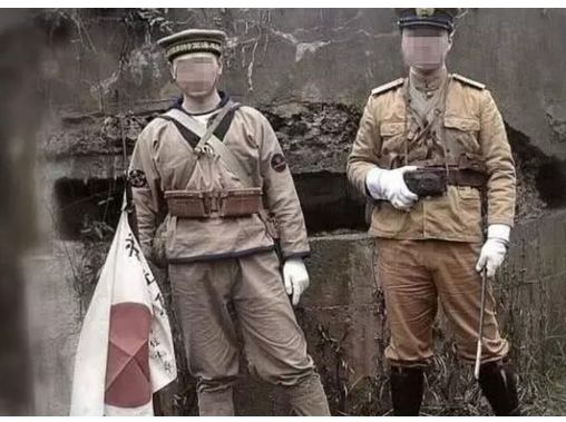 【画像】旧日本軍のコスプレで結婚式に出席してしまう中国人をご覧くださいwwwwwwwwwwwwのサムネイル画像