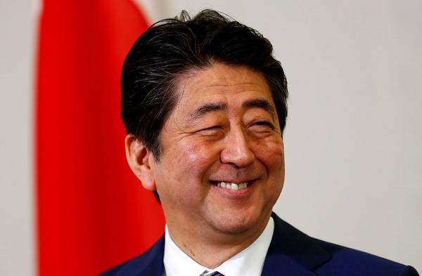 【ワロタw】安倍首相、トランプ大統領と首脳会談へ!!!→ その時間がwwwwwwwww(文大統領は2分)のサムネイル画像
