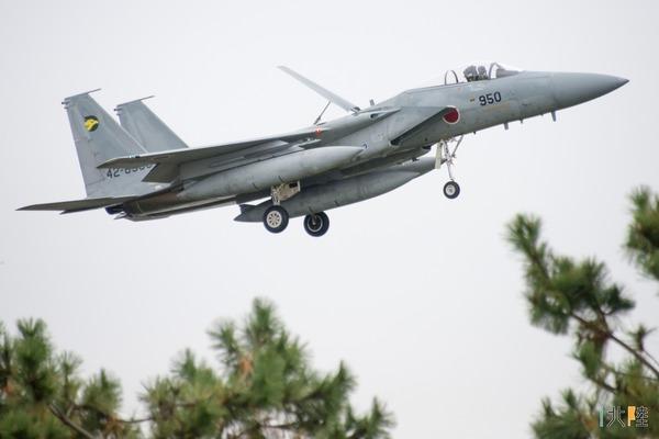 【驚愕】航空自衛隊の戦闘機パイロットが失踪!!!→ その理由が・・・・・・のサムネイル画像