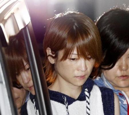 【衝撃】吉澤ひとみ逮捕の4日後、「義母」が緊急搬送!!!→ その理由がヤバい・・・・・のサムネイル画像