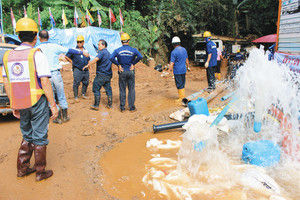 【タイ洞窟】大量の水を排出した結果、周りでとんでもない被害が出てしまう・・・のサムネイル画像
