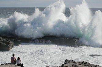 【緊急】関空の再開はいつ?!→ 台風21号の「影響」がとんでもないことになっている件・・・・・のサムネイル画像