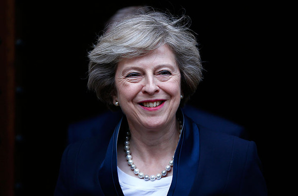 【衝撃】「メイのバカ!もう知らない!」英閣僚4人が辞任へ!!!→ その理由がwwwwwwwwwwwwwww