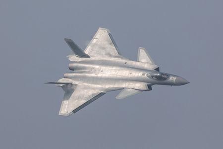 【衝撃】中国の最新鋭ステルス戦闘機「J20」に日本のネットユーザーが震撼wwwwwwwwwwwwwwwwwwのサムネイル画像