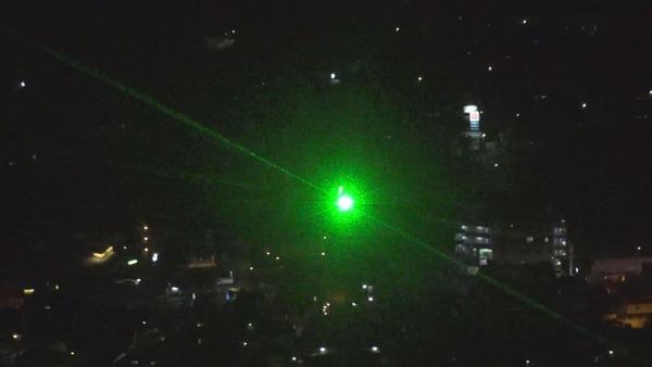 【速報】陸上自衛隊、飛行中のヘリがレーザー照射を受けたと発表!!!!!!のサムネイル画像