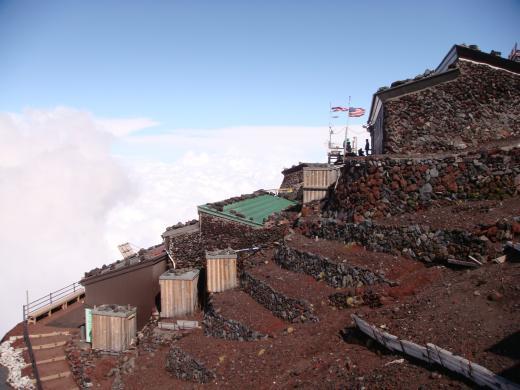 【衝撃】富士山「八合目」でバイトしてみたった!!!→ その結果wwwwwwwwwwwwwwwwwのサムネイル画像