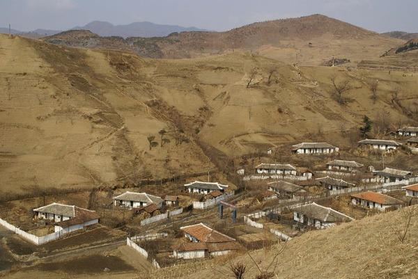 【速報】北朝鮮「日本は朝鮮の山をはげ山にした!!!」→ その結果wwwwwwwwwwwwwwwww のサムネイル画像