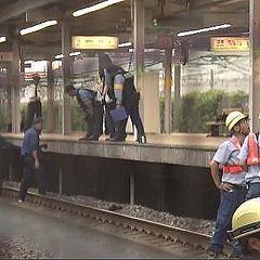 【静岡】中学生、駅ホームと電車の間に挟まれ死亡 → 事故の原因が・・・・・のサムネイル画像