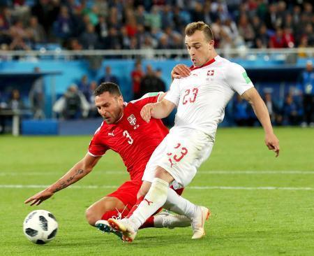 【画像】スイス代表ピンチ!? 選手が「政治的ゴールパフォーマンス」で処分の可能性・・・のサムネイル画像